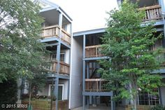 6910 E VICTORIA DRIVE 6910-E, ALEXANDRIA, VA 22310 - Lovely 2nd floor condo with 2 bedrooms, 2 full baths, updated kitchen w/granite. Living room with fireplace, SGD to balcony. Master BR with full bath and walk in closet. Generous 2nd bedroom. Washer/dryer in unit. Community pool and tennis. Plenty of parking. Close to shopping, restaurants, transportation and metro.