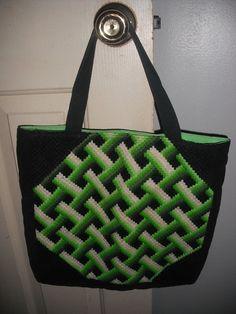 vintage 3D Weave pattern crochet tote ... green white black ... shoulder bag graphic COOL via Etsy