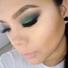 @beautybylorena_g using #concreteminerals and #MAC!
