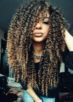 ❤️ #curly #hair #hairstyle #ombre #lips #beauty #style #fashion #girl #Ciulia #curlyhair #me #cute #inspire