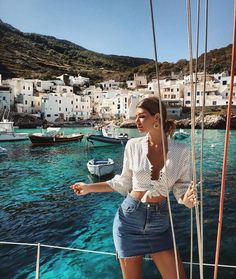 Postcard from levanzo ⛵️🌊☀️🇮🇹👩🏽 - Top Trends Vacation Outfits, Summer Outfits, Cute Outfits, Heidi Klum, Foto Pose, Wanderlust Travel, Summer Travel, What To Wear, Photos