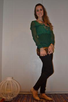 Maglia: Campagna italiana Pantaloni: H&M Borsa: Louis Vuitton