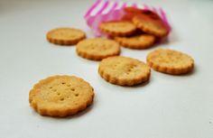 Delicious & Gluten Free: Gluten Free Mini Cheddars Recipe