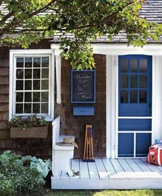 Look! Rebecca Robertson's Super Cute Weekend House Porches, Beach Cottage Style, Nantucket Cottage, Maine Cottage, Lakeside Cottage, River Cottage, River House, Brown House, Weekend House