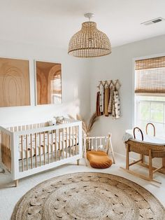 Baby Nursery Neutral, Baby Nursery Decor, Boho Nursery, Natural Nursery, White Nursery, Gender Neutral Nurseries, Simple Baby Nursery, Nursery Chairs, Coastal Nursery