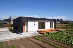 宮城郡利府町/家族の笑顔がつながる「黒の平屋」 - 株式会社デザインホーム - IMGPOST