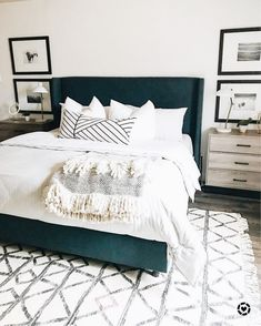 45 Best Modern Bedroom Design Ideas - Home Decorating Inspiration Urban Outfiters Bedroom, House Interior, Home, Guest Bedrooms, Blue Master Bedroom, Bedroom Design, Home Bedroom, Remodel Bedroom, Home Decor
