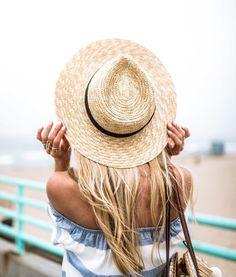 Off the shoulder + sun hat.