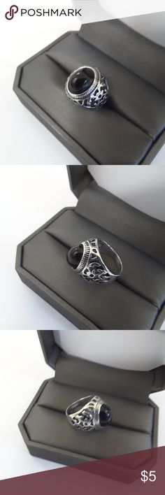 fashion silver tone ring with black stone Fashion silver tone ring with black center stone. size 8. adorable ring for any occasion. NWOT does not come with box. Jewelry Rings