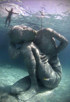 """""""Ocean Atlas"""", die größte Unterwasserskulptur der Welt. Foto: jasondecairestaylor.com"""