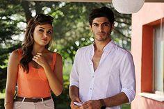 Murat And Hayat Pics, Most Handsome Actors, Shadi Dresses, Couple Photoshoot Poses, Cute Love Couple, Romantic Photos, Hande Ercel, Turkish Beauty, Cute Beauty