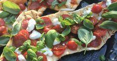 Ruokapankki, Ruoka, Ruokablogi, Indiedays, Grillaus, Grillipizza, Pizza, Salamipizza, Kesä, Grilli, Italia, Kirsikkatomaattikastike, Kastike, Suolainen leivonta, Leivonta,