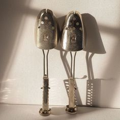 Friday feat : Silver shiny shoe shapers. There are lots of new and exciting shiny things going into the shop...... I'd really value your feedback.....so please do have a look x #justsaying #vintage #oldschool #retro #style #friday #livesimple #friday #hygge