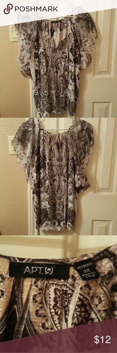 Apt 9 Embellished Black & White Paisley Top 3x Apt 9 Embellished Black & White Paisley Top with Short Sleeves. Size 3x but runs small. Elastic at bottom. 100% Polyester Very soft material. Without rips or stains. Worn two times. Length is 23 inches, width is 26 inches across. Apt. 9 Tops Blouses