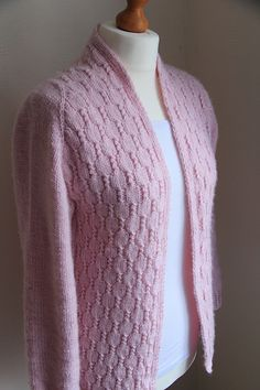 Ravelry: Ambitious corals pattern by Ayako Monier