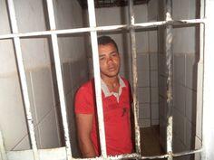 # Noticiário de Hoje #: CENTRAL: Jovem é preso acusado de assalto a adoles...