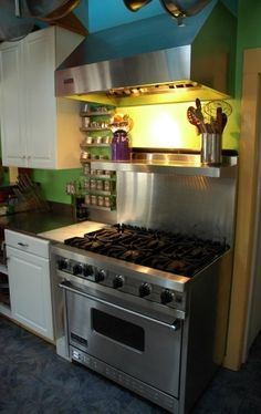 Viking stove and hood, in my kitchen.thankful for this every day! Kitchen Redo, New Kitchen, Kitchen Ideas, Kitchen Design, Spice Rack Next To Stove, Viking Appliances, Kitchen Appliances, Viking Stove, Home Board