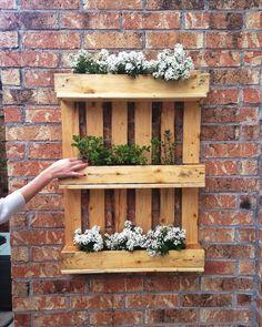 Op Vriendin.nl vind je allerlei leuke manieren om je tuin op te fleuren met pallets.
