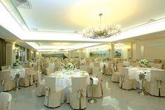 La sala Blue Marlin, Restaurant, Club, Table Decorations, Furniture, Home Decor, Decoration Home, Room Decor, Diner Restaurant