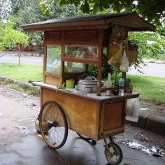 Streetkitchen in Sanur Coffee Carts, Coffee Shop, Kiosk, Food Truck, Mobile Food Cart, Food Cart Design, Bike Food, Bike Cart, Gastro