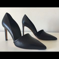 "VINCE COSETTE BLACK LEATHER PUMPS SIZE 35.5 VINCE Cosette  -Condition: Brand New Store Display Shoes Without Box. -Size: EU 35.5 - US 5.5 -Color: Black. -Pointy-Toe Pump. -High cut vamp. -Half d'Orsay silhouette with opening at inside. -Elongated heel counter. -Covered 4"" heel. -Padded insole. -Leather outsole. -Made in Italy. -Retails for $375.00 -Smoke Free Environment. -Same Day Priority Mail 2-Day Shipping. Vince Shoes Heels"