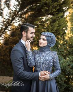 ✔ Couple Wedding Poses The Bride Muslim Couple Photography, Wedding Photography Poses, Wedding Poses, Wedding Couples, Muslim Wedding Dresses, Wedding Hijab, Dress Wedding, Muslimah Wedding, Simple Hijab