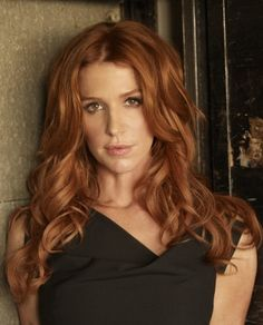 Here we see a Poppy Montgomery glamour shot. My skin tone is completely different, but her hair is gorgeous.