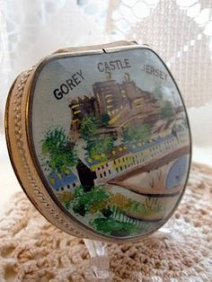 Gorey Castle Jersey material zipped compact