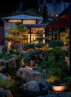 Love This Japanese Garden Backyard | robert saddler | Flickr Seattle Japanese Garden, Japanese Garden Backyard, Modern Japanese Garden, Japanese Garden Landscape, Japanese Home Design, Asian Garden, Modern Garden Design, Chinese Garden, Japanese House