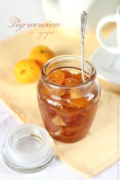 Every Cake You Bake: Pigwowiec z imbirem w syropie (do herbatki :)) Chutneys, Quince Recipes, Ginger Jam, Vegan Cheese Recipes, Sweet Jars, Magic Recipe, Jam And Jelly, Canning Recipes, Dessert Recipes