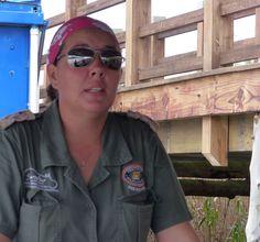 Erfahrene Guides begleiten die Fluss-Safari und kennen die Lieblingsplätze der Hippos Round Sunglasses, Safari, Cape Town, River, Travel Advice, Round Frame Sunglasses