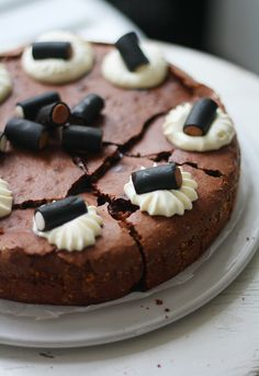 Lakritsimutakakku // Mud Cake with liquorice Sweet Recipes, Cake Recipes, Dessert Recipes, Finnish Recipes, Joko, Bakery Cafe, Little Cakes, Savoury Cake, No Bake Desserts