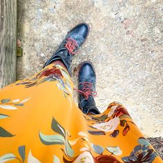 I think your style changes over the years but is intimately an expression of your personality. I love mixing a super feminine floral with steampunk style combat boots. Whats your style? Im a little feminine and a little edgey. #lularoeryane #freebirdravi