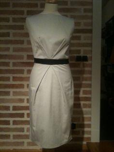 Tereska prezentuje dziś sukienkę inspirowaną Waszymi prośbami. Dwie zakładki na górze a dodatkowo dwie na dole sukienki. Dół sukienki można wymienić na zupełnie inny, dzięki czemu otrzymasz dużo ciekawych fasonów.