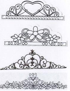 A lot of tiars designs Royal Icing Templates, Royal Icing Transfers, Cake Templates, Cake Decorating Techniques, Cake Decorating Tips, Cookie Decorating, 3d Pen Stencils, Fondant Crown, Sugar Veil