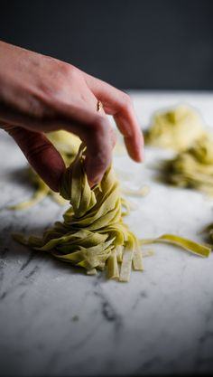 Learn how to make fresh Basil and Garlic Pasta Dough — The Broken Bread Never Ending Pasta, Kitchen Aid Recipes, Kitchen Tools, Kitchen Gadgets, Homemade Pasta Dough, Electric Skillet Recipes, Garlic Pasta, Cast Iron Recipes, Pasta Machine