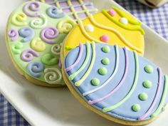 Bunte Ostereier-Kekse - smarter - Kalorien: 93 Kcal - Zeit: 30 Min. | eatsmarter.de