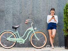 Картинки по запросу девушка  и велосипед