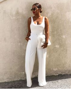 Clean lines and classic look All White Outfit, White Outfits, Classy Outfits, Casual Outfits, Fashion Outfits, Womens Fashion, White Pants Outfit, Black Girl Fashion, Fashion Looks