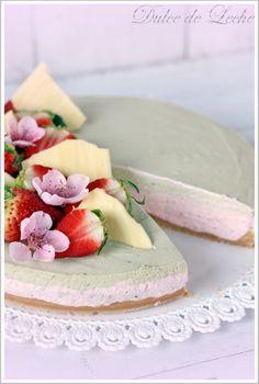 Dulce de Leche: Strawberry Matcha cake