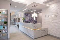 Environments for Health completed the design for the TruDerm Dermatological Clinic located in Allen, Texas. TruDerm, a dermatological practice focused on delivering quality and convenience for … Medical Office Interior, Dental Office Decor, Medical Office Design, Healthcare Design, Doctors Office Decor, Doctor Office, Clinic Interior Design, Spa Interior, Clinic Design
