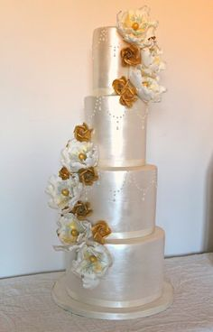 bespoke designer contemporay cakes scotland edinburgh glasgow