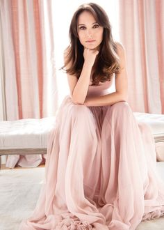 Natalie Portman for Christian Dior Parfums I love her as an actress and she's so pretty! Natalie Portman Dior, Christian Dior, Nathalie Portman, Jenifer, Dior Perfume, Couture Perfume, Parfum Dior, Dior Couture, Nia Long