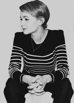 """I don't think you should ever damage other people for your art. Carrie Mulligan, British Actresses, Hollywood Stars, Style Icons, Hair Inspiration, Beautiful People, Style Me, Short Hair Styles, Clothes For Women"