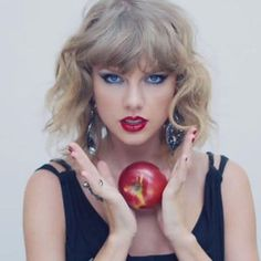 """Taylor Swift, """"Blank Space"""" 