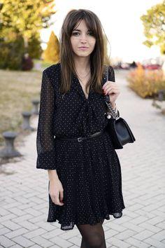 Lovely in black dots dress#