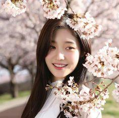 The Prince and The Princess (Jaehyun x Chaeyeon) Kpop Girl Groups, Korean Girl Groups, Kpop Girls, Estilo Beatnik, Korean Beauty, Asian Beauty, Divas, Jung Chaeyeon, Kim Sejeong