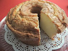 Aunt Sue's Famous Pound Cake Recipe Ingredients: 6 eggs,1 cup butter (2 sticks), 3 cups sugar, 3 cups all purpose flour, 1 cup whipping cream (also known as Heavy Cream),1 tsp vanilla