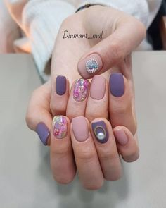 • Nail Design 영롱한 빛을 내뿜는 자개네일 디자인모음 자개네일 : 네이버 블로그 Shellac Designs, Nail Art Designs, Fancy Nails, Pretty Nails, Korea Nail Art, Japan Nail Art, Asian Nails, Natural Nail Art, Lilac Nails