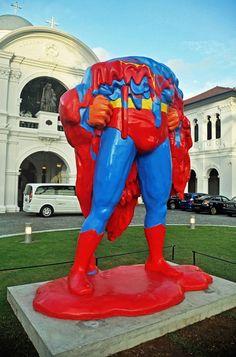 Museu de Arte de Cingapura - Super Man derretido